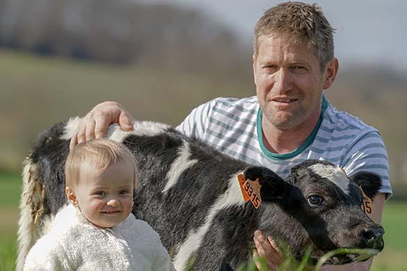 David et sa fille à la ferme